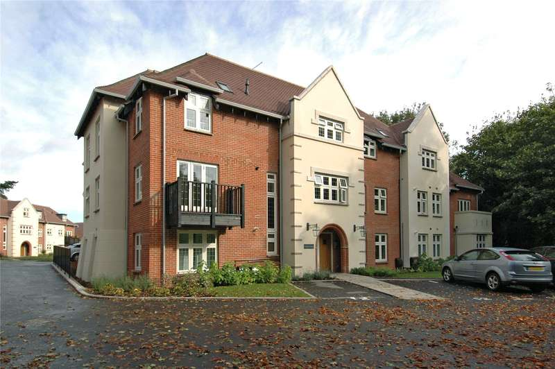 2 Bedrooms Flat for sale in Knight's Lodge, Highcroft Road, Winchester, Hampshire, SO22