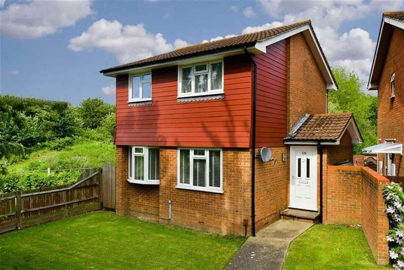 3 Bedrooms Detached House for sale in Chessington Road, West Ewell, Surrey
