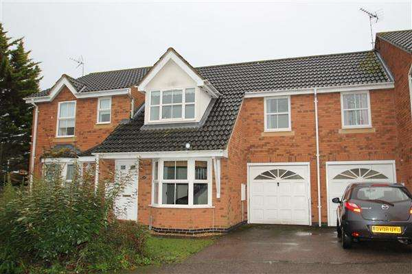 3 Bedrooms Terraced House for rent in Moorhen Way, Buckingham