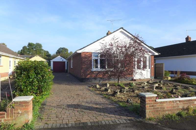 3 Bedrooms Detached Bungalow for sale in Bramley Road