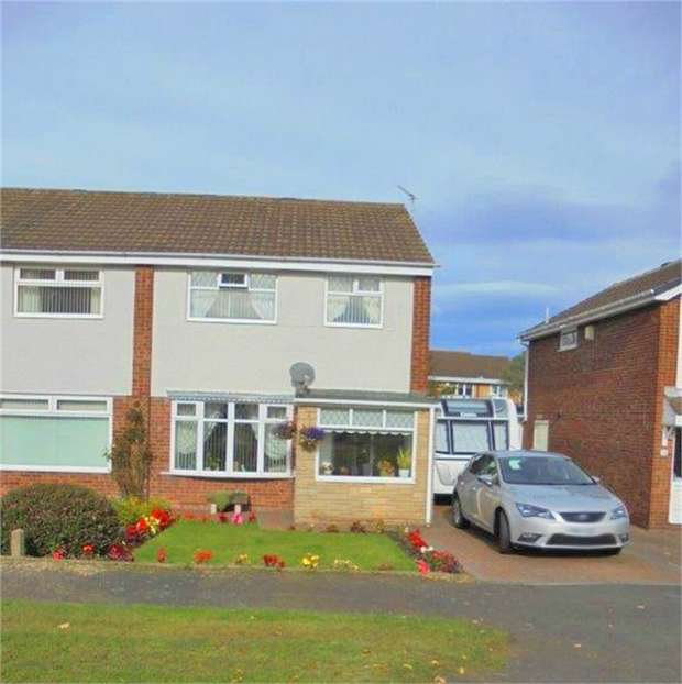 3 Bedrooms Semi Detached House for sale in Burnside, Ashington, Northumberland