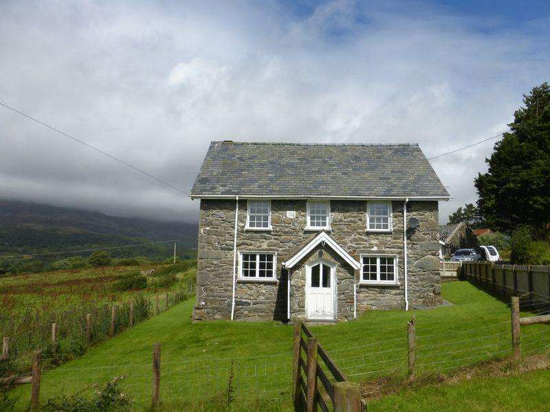 4 Bedrooms Detached House for sale in Blaenau Ffestiniog