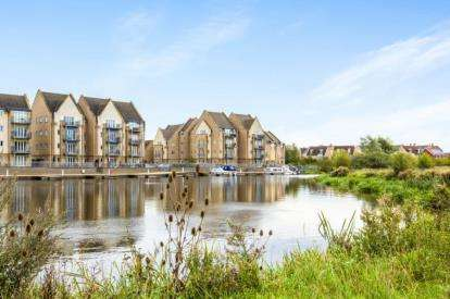 2 Bedrooms Flat for sale in Bevington Way, Eynesbury, St. Neots, Cambridgeshire