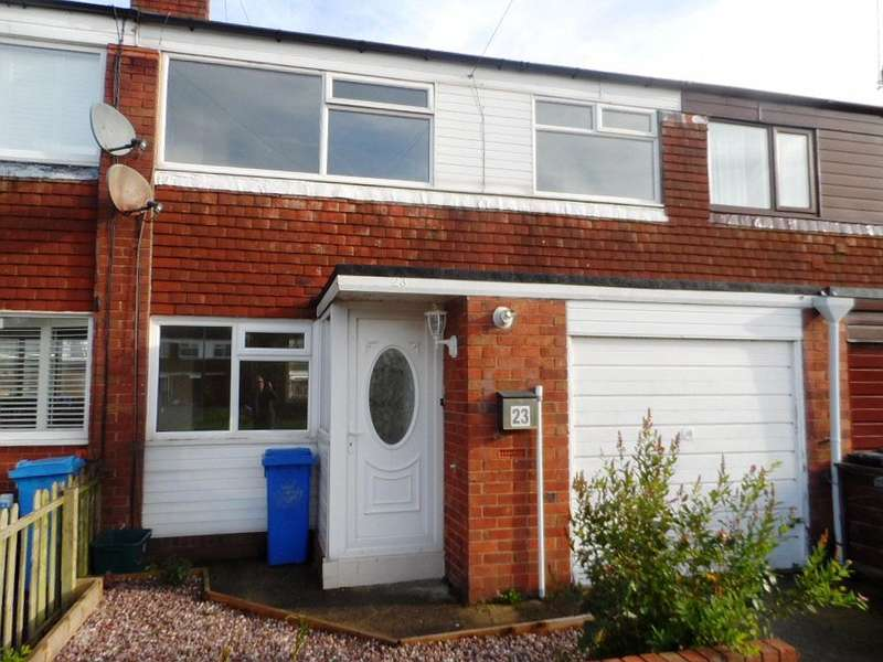 3 Bedrooms Terraced House for sale in The Crescent, Preesall, FY6 0EE