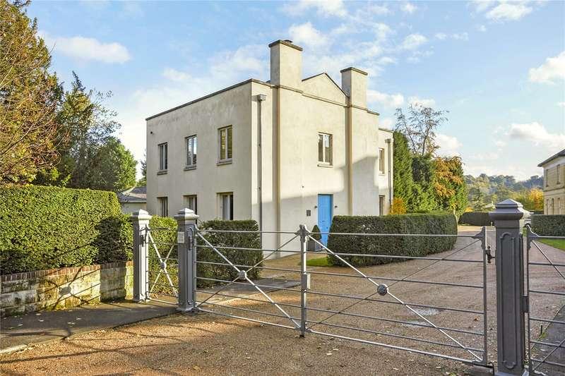 4 Bedrooms Detached House for sale in Wallfield Park, Reigate, Surrey, RH2