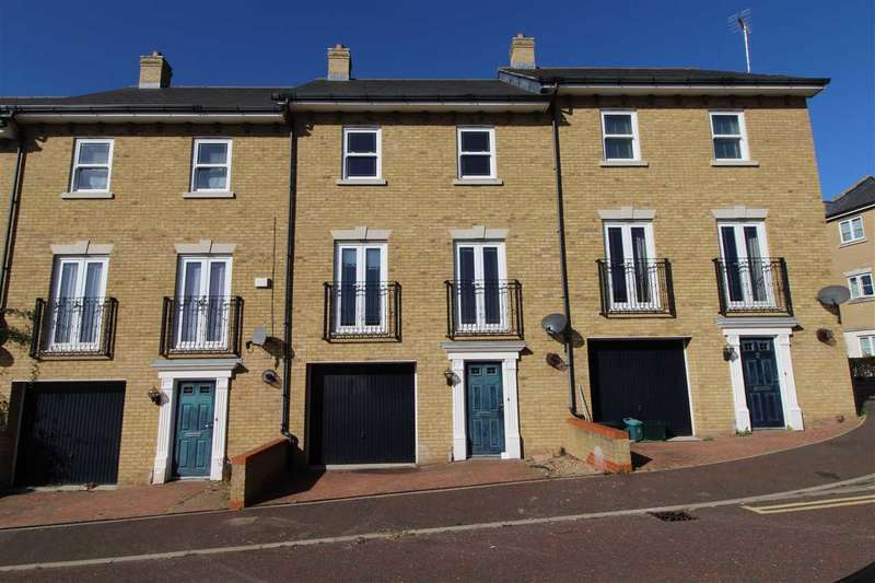 4 Bedrooms Terraced House for sale in Propelair Way, Colchester