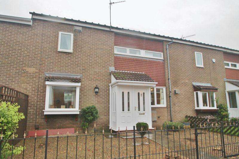 2 Bedrooms Terraced House for sale in Ashwood Close, Ormesby