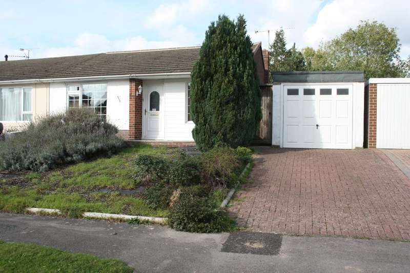 2 Bedrooms Semi Detached Bungalow for sale in Eastwood Road, Woodley, Reading, RG5