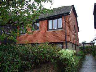 2 Bedrooms Flat for sale in Market Road, Battle, East Sussex