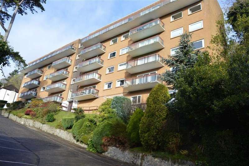 3 Bedrooms Apartment Flat for sale in Callencroft Court, Mumbles, Swansea