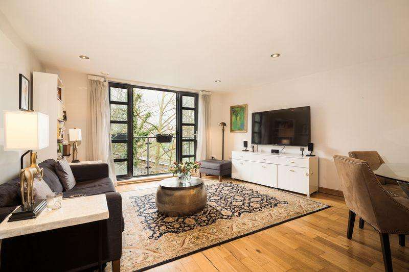 2 Bedrooms Apartment Flat for sale in Station Crescent, Blackheath, SE3