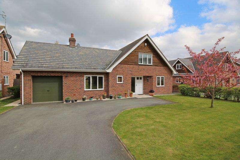 4 Bedrooms Detached House for sale in Maesmawr Road, Llangollen
