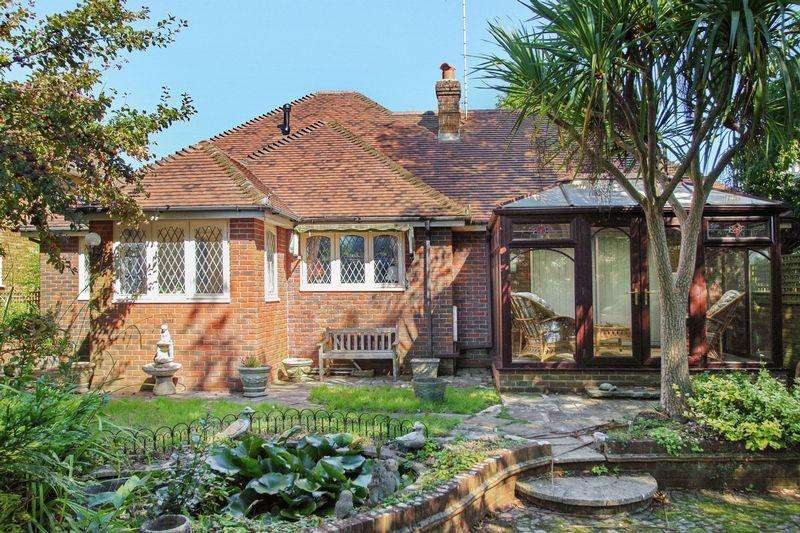 3 Bedrooms Bungalow for sale in SHANKLIN