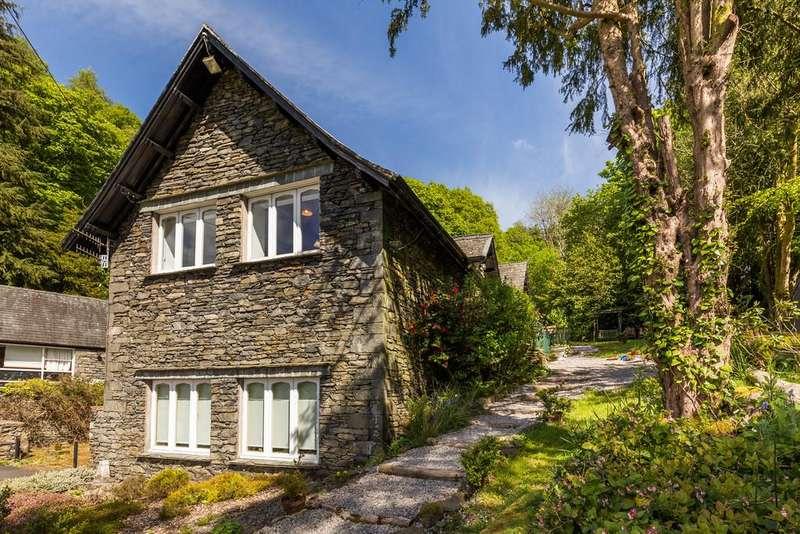 3 Bedrooms Mews House for sale in 3 Elleray Mews, Windermere, Cumbria, LA23 1AP