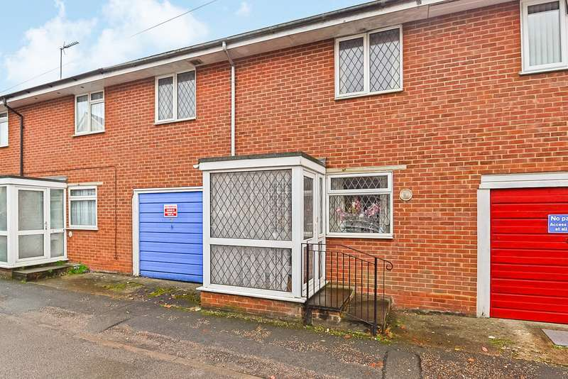 3 Bedrooms House for sale in Nelson Road, Horsham, West Sussex, RH12