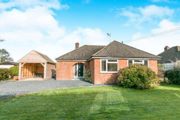 3 Bedrooms Bungalow for sale in Medstead, Alton, Hampshire