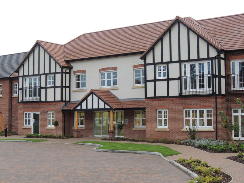 2 Bedrooms Flat for sale in Four Ashes Road, Bentley Heath, Solihull