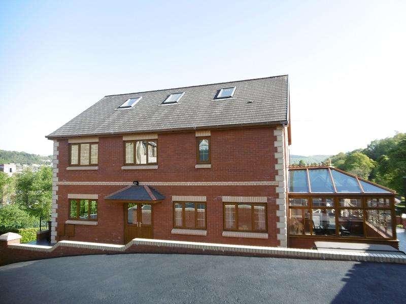 4 Bedrooms Detached House for sale in Ffordd Brynheulog, Pontardawe, Swansea.
