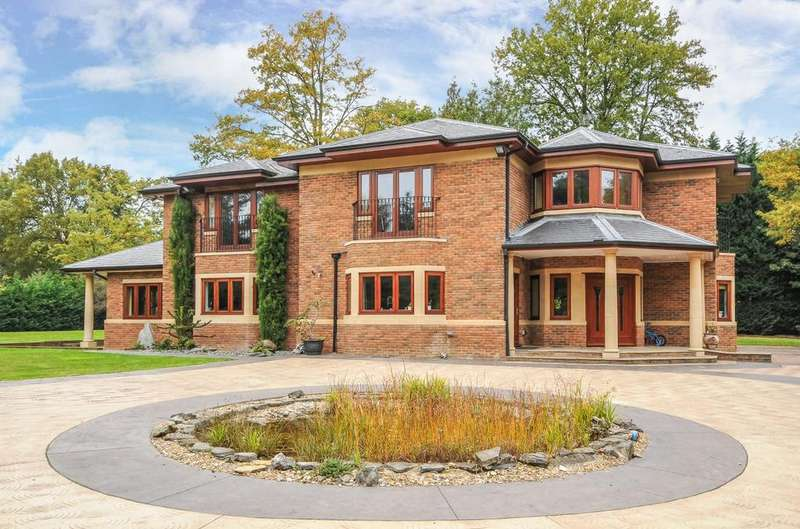 5 Bedrooms House for rent in West Drive, Wentworth, Virginia Water, Berkshire, SL5
