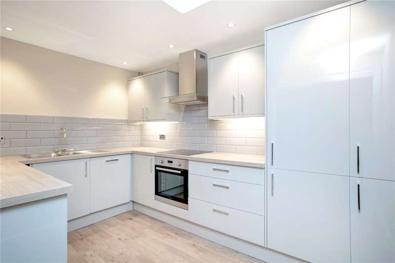 2 Bedrooms Flat for sale in The Gallery, Back Lane, Ramsbury, Wiltshire, SN8