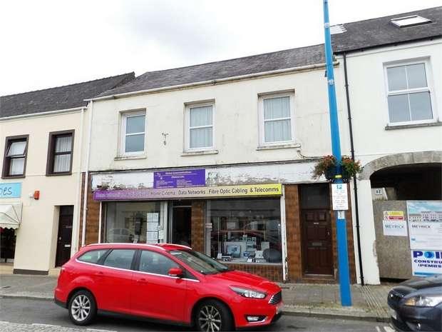 3 Bedrooms Flat for sale in 13 Meyrick Street, Pembroke Dock, Pembrokeshire