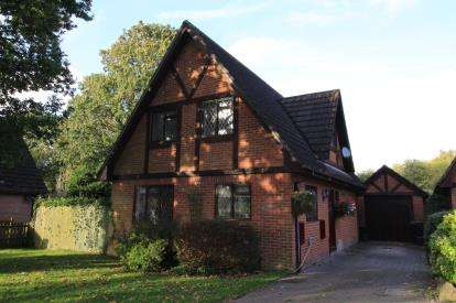 3 Bedrooms Detached House for sale in Walkford, Christchurch, Dorset