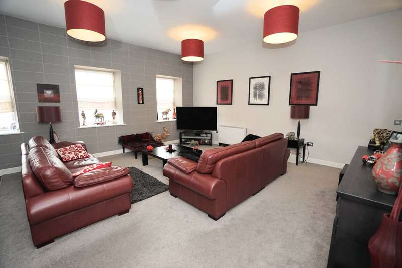 2 Bedrooms Apartment Flat for sale in Matlock Court, Horwich
