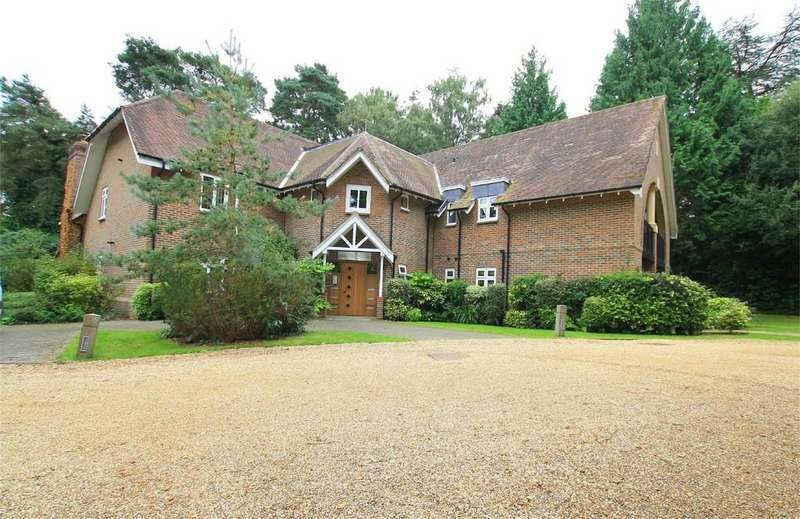 2 Bedrooms Apartment Flat for sale in Amberley House, 50 Beaufoys Avenue, Ferndown
