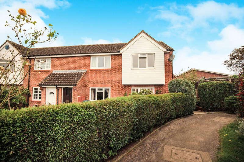 2 Bedrooms Property for sale in Vivien Close, Chessington, KT9