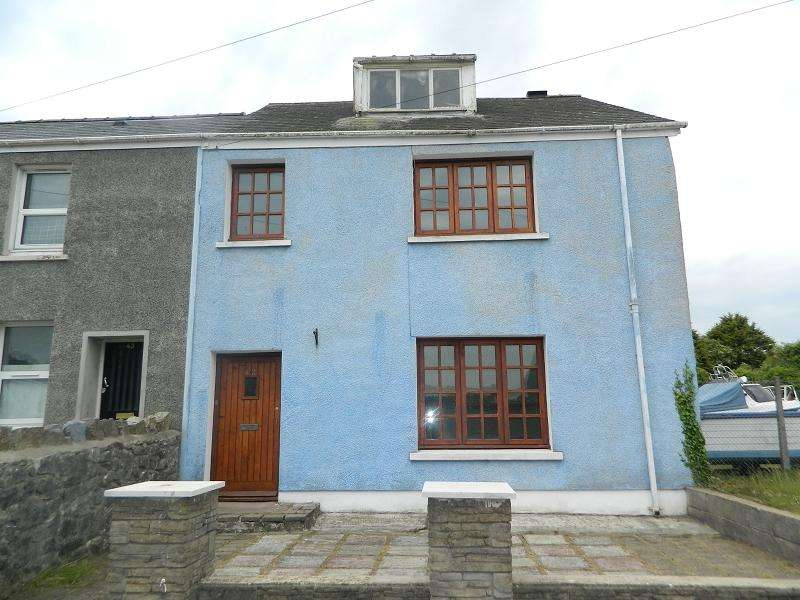 3 Bedrooms Semi Detached House for sale in Front Street, Pembroke Dock, Pembrokeshire. SA72 6JY