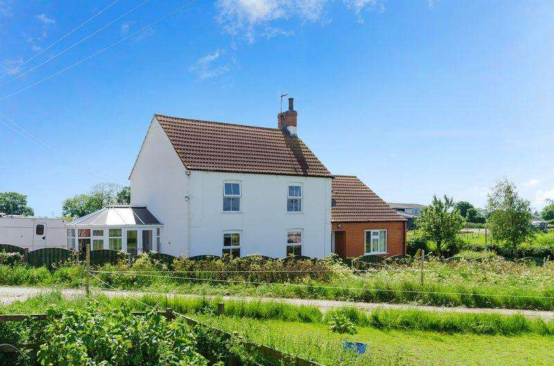 4 Bedrooms Detached House for sale in Helsey, Hogsthorpe