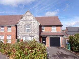 4 Bedrooms Detached House for sale in John Ireland Way, Storrington, Pulborough, West Sussex