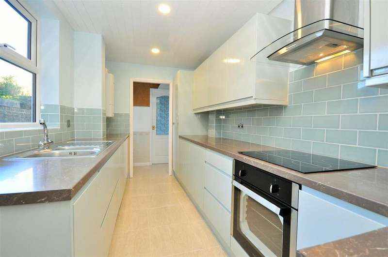 3 Bedrooms Terraced House for sale in Prospect Terrace, Fulford, York