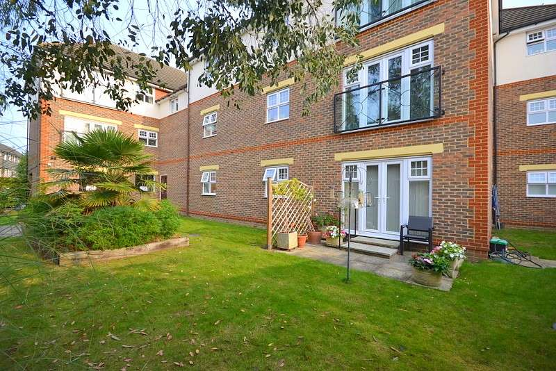 2 Bedrooms Apartment Flat for sale in Sunbury On Thames