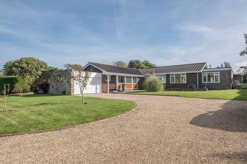 4 Bedrooms Detached Bungalow for sale in Yarmouth, Isle of Wight