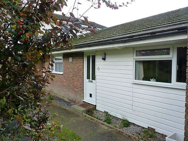 1 Bedroom Flat for sale in Streatfield Road, Heathfield, East Sussex, TN21 8LA