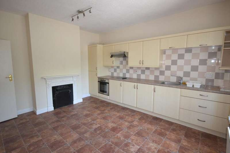 2 Bedrooms Flat for rent in Elm Grove, Hayling Island, PO11