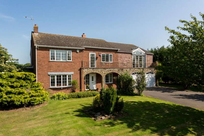 4 Bedrooms Detached House for sale in Old Hull Road, Newland, Goole