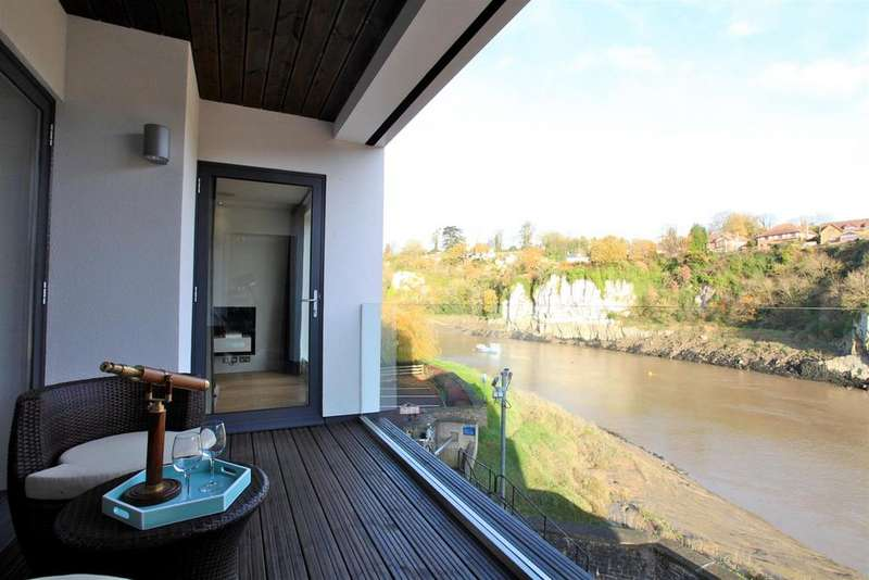 2 Bedrooms Apartment Flat for sale in Severn Quay, The Back, Chepstow