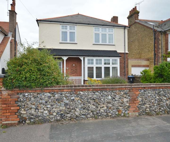 4 Bedrooms Detached House for sale in Stanley Road, Broadstairs, Kent, CT10