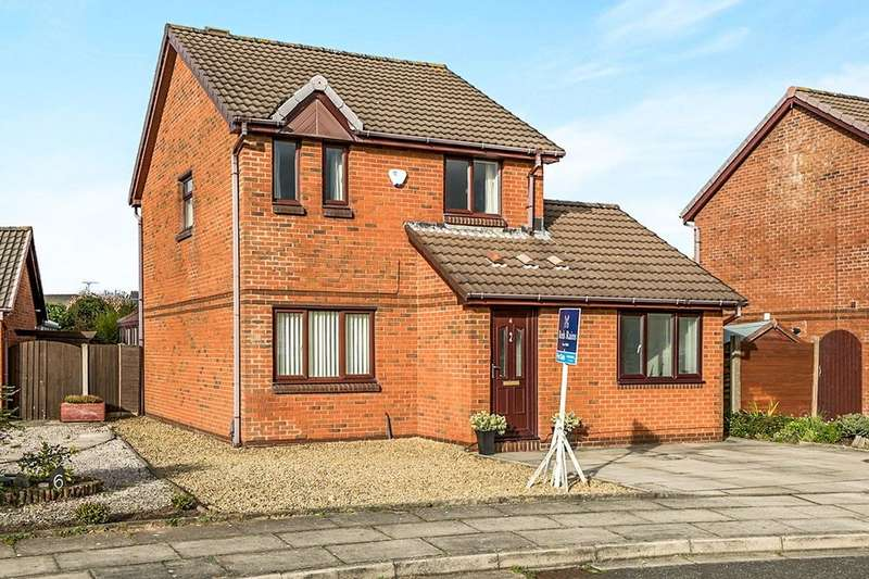 3 Bedrooms Detached House for sale in Richmond Close, Hightown, Liverpool, L38
