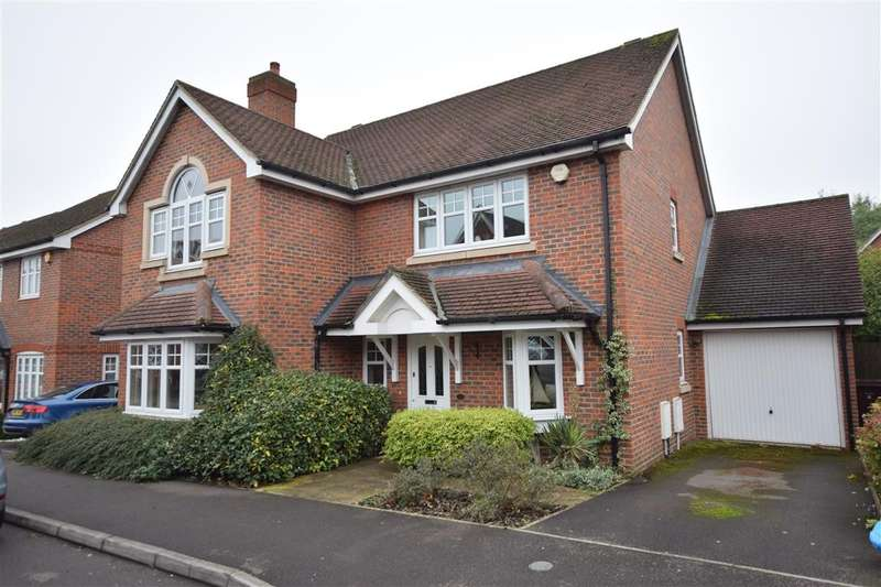 4 Bedrooms Detached House for sale in Skylark Way, Shinfield, Reading, RG2