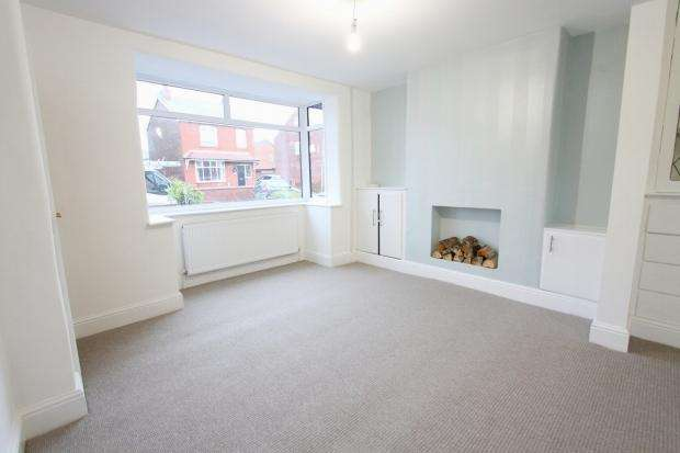 3 Bedrooms Semi Detached House for sale in Booths Brow Road Ashton In Makerfield Wigan