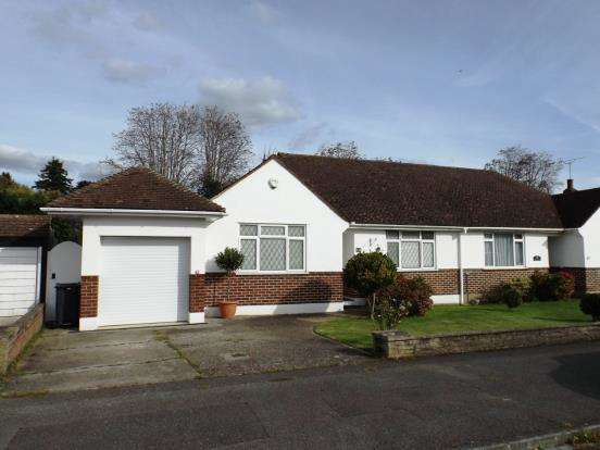 3 Bedrooms Bungalow for sale in Maidenhead, Berkshire, United Kingdom