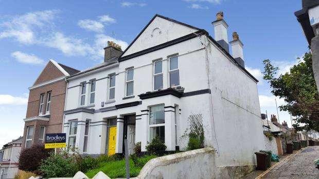 2 Bedrooms Maisonette Flat for sale in Furzehill Road, Plymouth, Devon