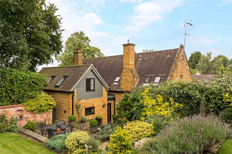 4 Bedrooms Detached House for sale in Farnborough, Banbury, Oxfordshire, OX17