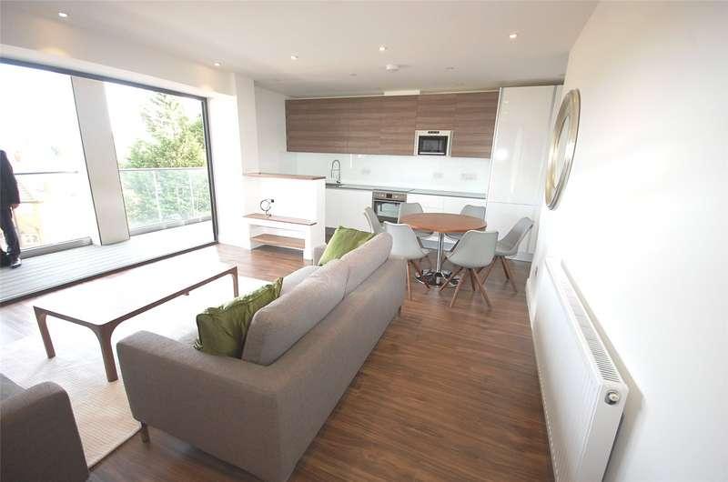 2 Bedrooms Flat for sale in East Barnet Road New Barnet Hertfordshire EN4