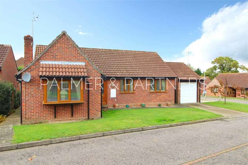 3 Bedrooms Bungalow for sale in Homefield Way, Earls Colne, Colchester