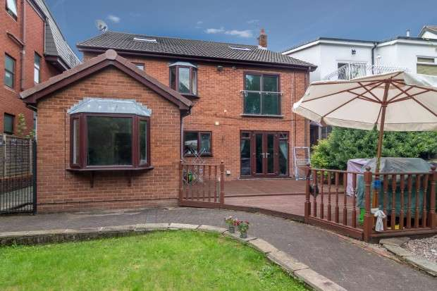 5 Bedrooms Detached House for sale in Chapman Road, Fulwood, Preston, PR2
