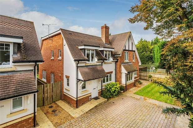 3 Bedrooms Semi Detached House for sale in Manor Road, Walton-on-Thames, Surrey